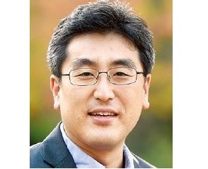 홍재화 교수님.jpg